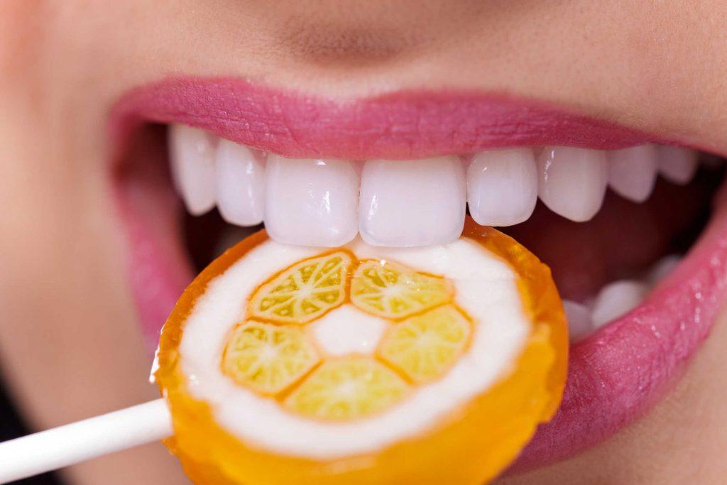 Vì Sao Bạn Nên Chăm Sóc Sức Khỏe Răng Miệng Của Mình?
